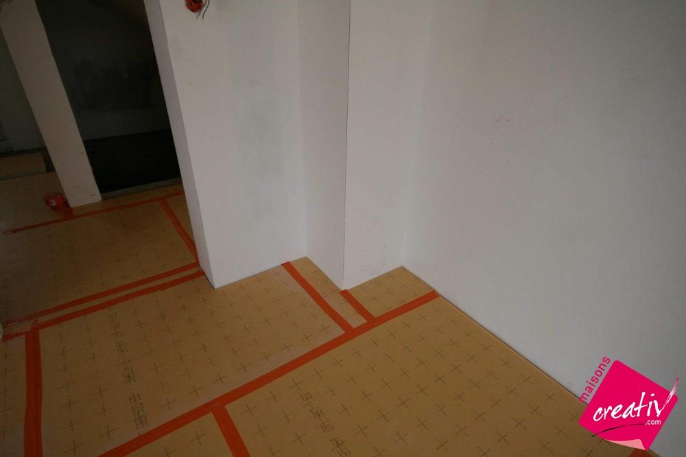 isolation isolant sous chape les tapes de construction. Black Bedroom Furniture Sets. Home Design Ideas